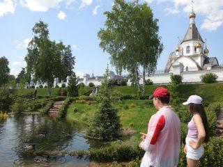 Вода как вера, иногда в русском человеке и в русском городе ее очень много