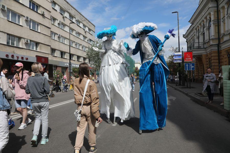 «В центре Мира» красноярцев ждут фестиваль еды и живые концерты