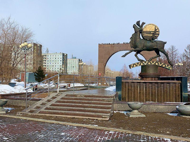 В микрорайоне Солнечный Красноярска ремонтируют фонтан «Северное сияние»