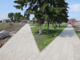 Пешеходными дорожками парк соединят с детской и спортивной площадками