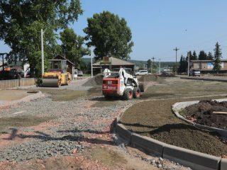 В 2020 году проект «Парк в центре села Дзержинское» вошел в топ-15 лучших проектов создания комфортной городской среды в рамках нацпроекта «Жилье и городская среда». На реализацию проекта Дзержинскому выделили 10 млн рублей