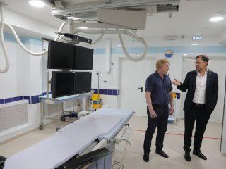 Необходимые хирургические вмешательства теперь проводятся на месте.  Раньше сложных пациентов отправляли санавиацией в Красноярск