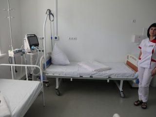 В Центре современной кардиологии современные палаты, оборудованные всем необходимым для выведения пациентов из критического состояния. Здесь они лежат в среднем 10 дней