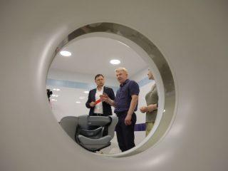 Оборудование позволяет на высочайшем диагностическом уровне выявлять инсульты, патологию костной системы и внутренних органов