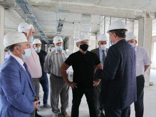 В новом здании будет базироваться и краевой межрайонный консультативно-диагностический центр, в который по направлению смогут попасть жители Красноярска и близлежащих городов