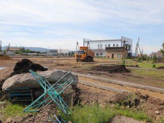 В 2021 году в конкурсе комплексных проектов благоустройства победила заявка села Холмогорское. В сентябре прошлого года жители этого населенного пункта проголосовали за проект «Уголок России – отчий дом»
