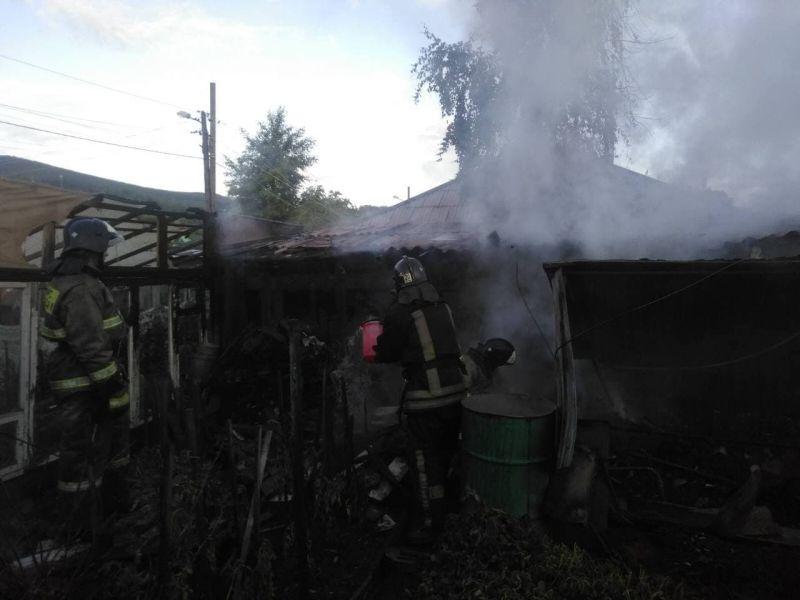 В Красноярском крае на месте пожара в частном доме найдены тела двух сельчан