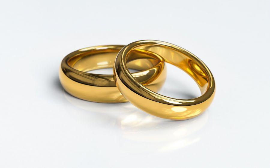 Обменяться свадебными кольцами теперь можно дома или на больничной койке