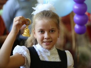 Накануне 1 сентября редакция gnkk.ru решила собрать архивные фото и вспомнить, как проходил День знаний в другие годы. Это 2015-й