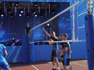 После окончания матча в Красноярске, эстафета перешла следующему городу-организатору – Кемерово. Игры пройдут в городах-участниках по очереди, слившись в один длинный волейбольный матч общей продолжительностью более 6 часов