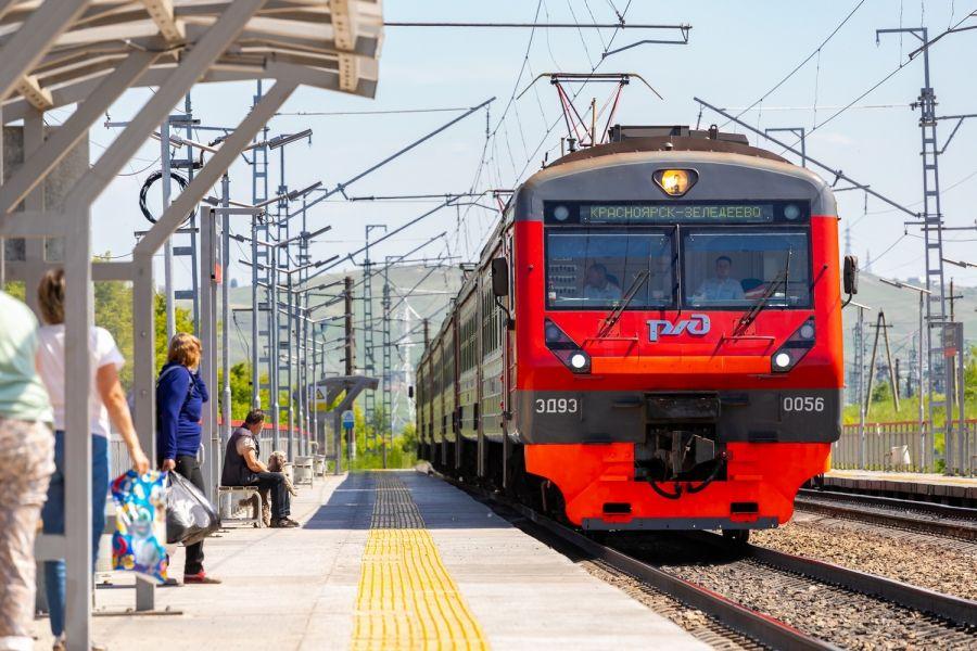 Житель Ачинского района погиб под поездом в Красноярске