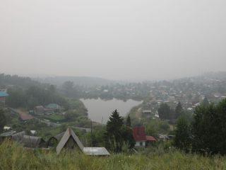 Дышать нечем и в самом краевом центре, и в окрестностях – в Солонцах дымная завеса может быть даже плотнее городской