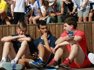В течение дня проходил волейбольный турнир среди детских и юношеских команд