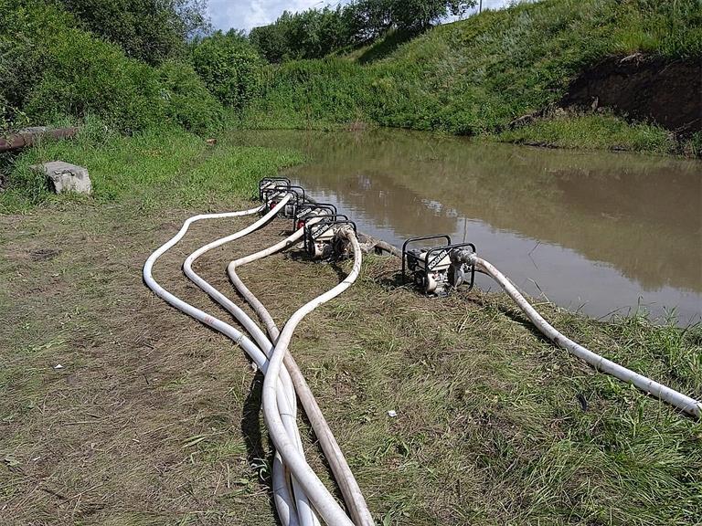 Красноярцы жалуются на ремонт водопропускной трубы под Енисейским трактом