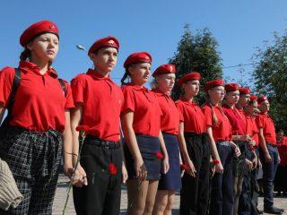 Юнармейцы Березовского района чтят память жителей блокадного Ленинграда
