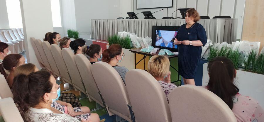 Проект для мам недоношенных детей стартовал в Красноярске. Фото пресс-службы Красноярского центра охраны материнства и детства