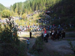 Традиция проводить концерты была заложена еще в 1947 году. Тогда в день рождения заповедника духовой оркестр исполнил на вершине первого Столба гимн Советского Союза