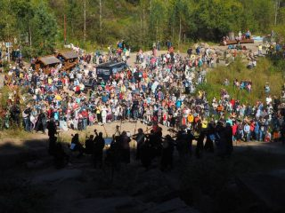 Послушать музыку собрались несколько сотен красноярцев