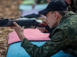 Юные патриоты отмечают: именно военно-спортивные соревнования помогают им выбрать свой дальнейший путь в жизни, а также приобрести новых друзей