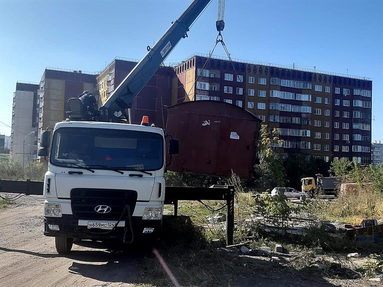 В Красноярске в районе развязки Тимошенкова – Монтажникова демонтировали 19 гаражей