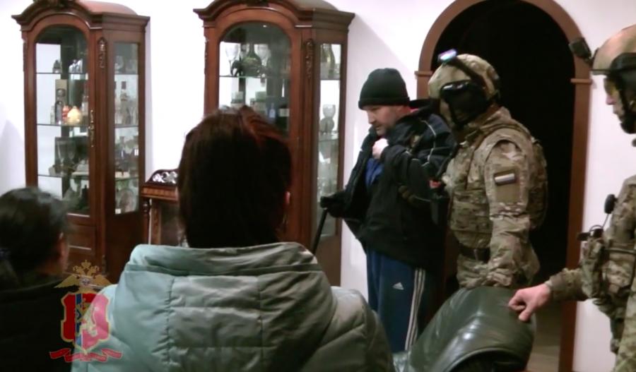 Присяжные в Красноярске оправдали Костю Канского по статье о статусе «вора в законе»
