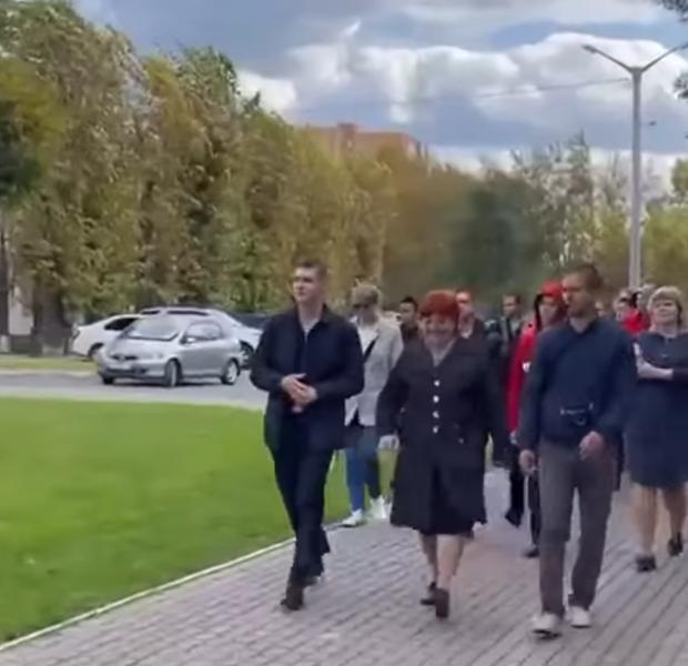 Елена Ланина провела первую экскурсию по Вавиловскому парковому кольцу Красноярска