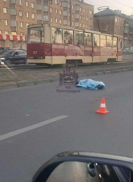 В Красноярске нашли водителя ВАЗа, сбившего насмерть 68-летнего пешехода
