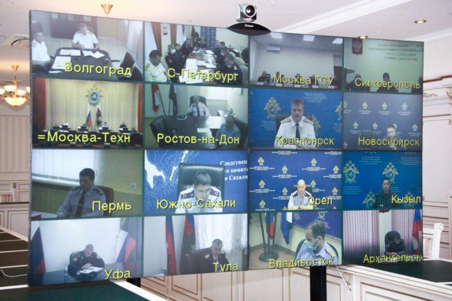 Председатель Следственного комитета РФ Александр Бастрыкин провел оперативное видеосовещание. Фото sledcom.ru
